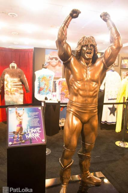 3MB_PatLoika_UltimateWarriorStatue