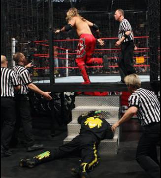 3MB_WWE_NoWayOut2009_EdgeAttacksKofi003